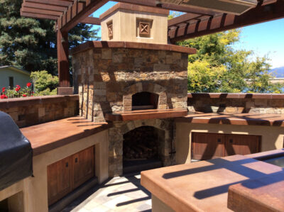 Outdoor kitchen with beautiful pizza oven